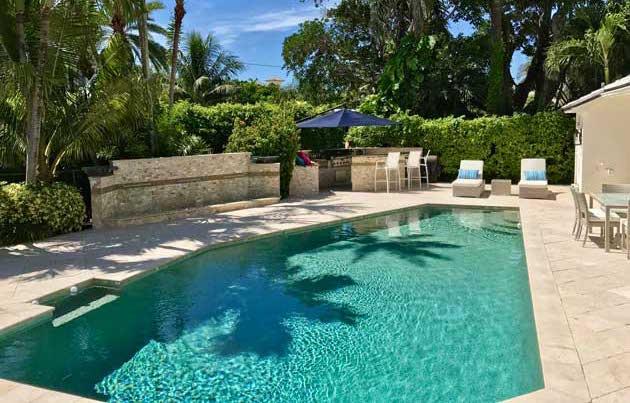 Bucida Pool
